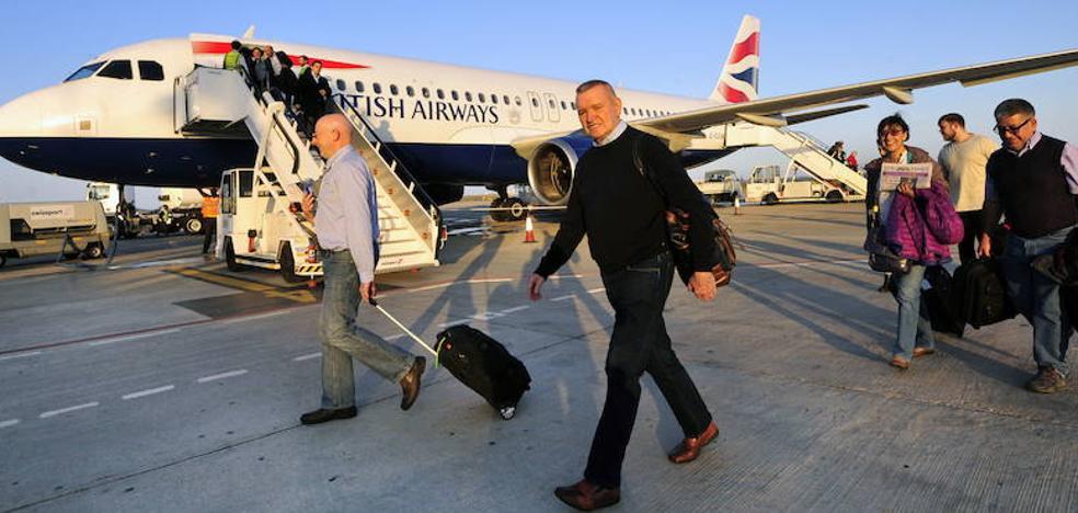 El aeropuerto de San Javier cierra un año redondo con 1,2 millones de pasajeros