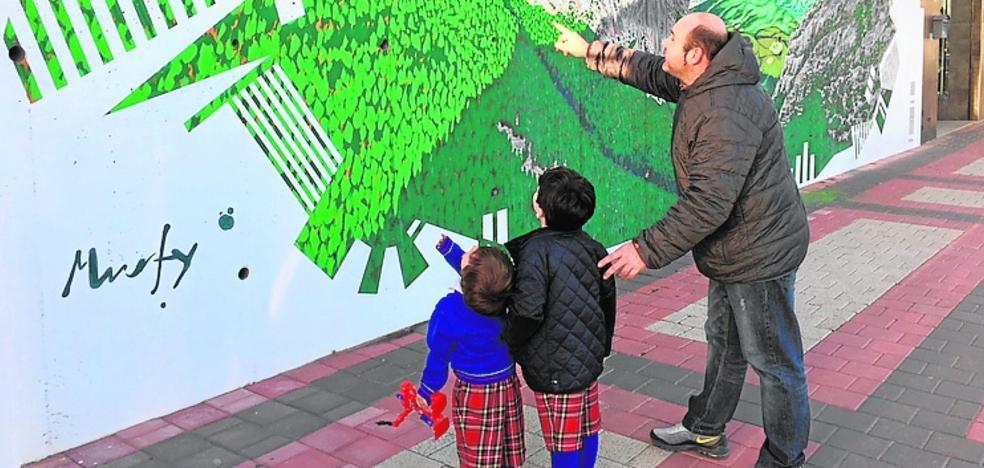 Murfy exhibe su arte en dos murales callejeros