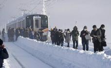 Atrapados 15 horas en un tren