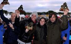 La piloto murciana Ana Carrasco, galardonada con el Pingüino de Oro