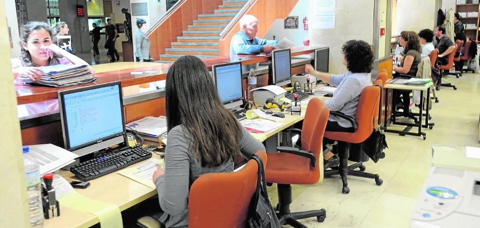 La prórroga presupuestaria priva a los empleados de la Comunidad de 2,3 millones de euros al mes