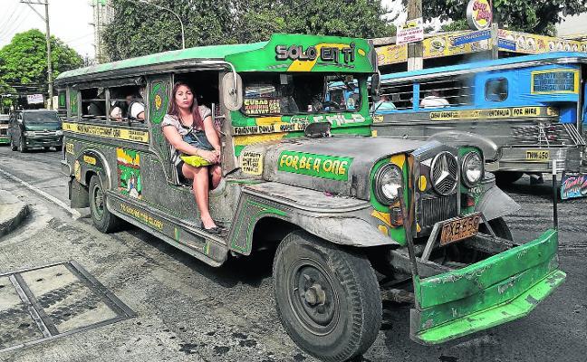 Filipinas manda los 'jeepneys' al desguace