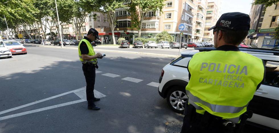 La Policía Local revisa esta semana el estado de neumáticos, alumbrado y documentación