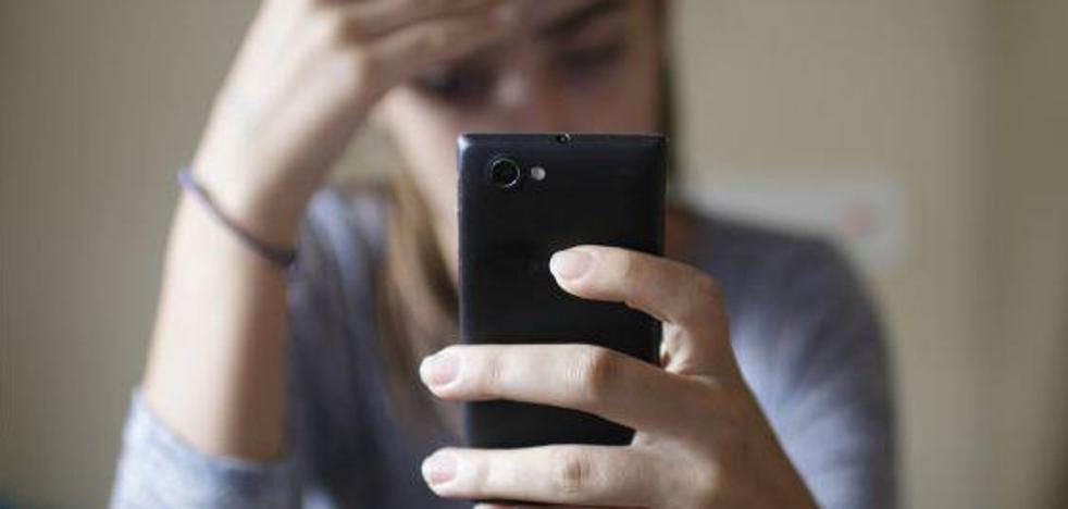 El acoso comienza con el primer móvil