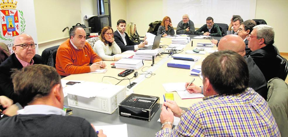 Todos los partidos acuerdan investigar la gestión de Hidrogea en el servicio de aguas