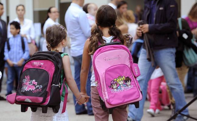 El Ministerio instará a facilitar la matriculación en el mismo centro de los hijos de familias numerosas