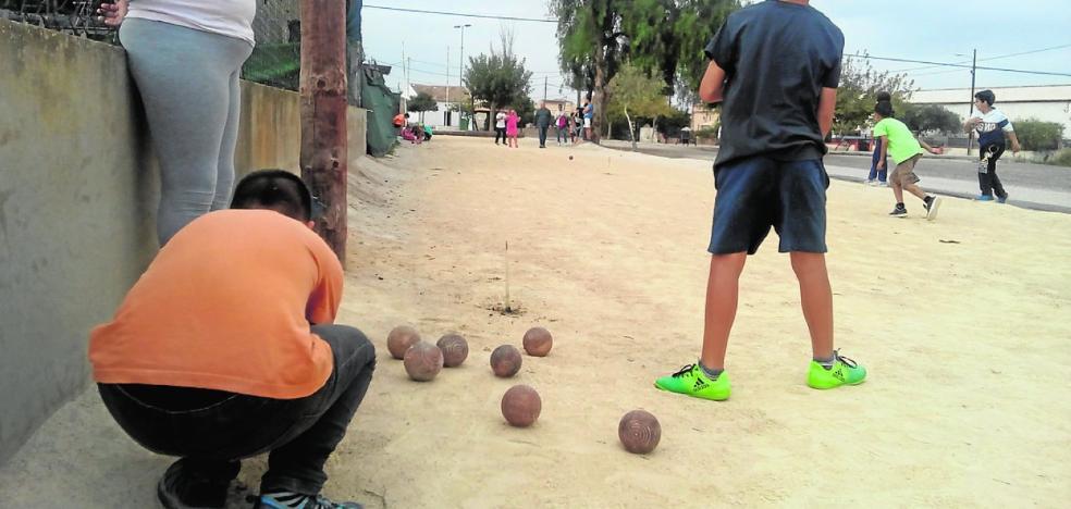 La bola rueda en La Magdalena