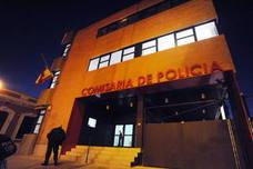 Detenido por agredir con una navaja y morder a una pareja para robarles un bolso en Murcia