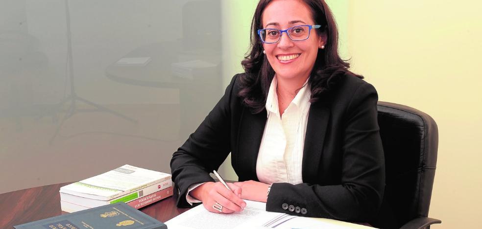 La alcaldesa ficha a una abogada sin perfil político para sacar adelante el Plan General