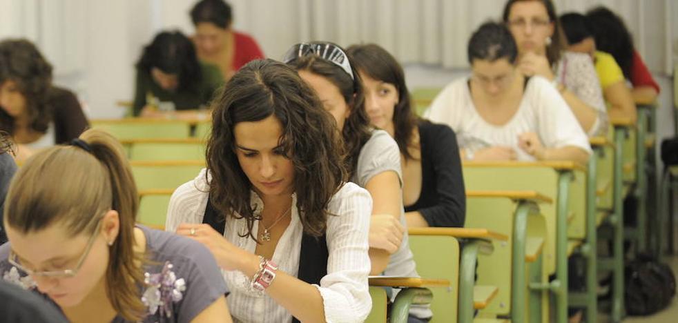 El SMS retrasa un mes el calendario de exámenes de las oposiciones