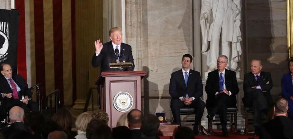 Trump insiste en el muro