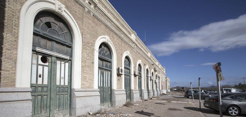 Ciudadanos exige que Adif aclare el retraso en las obras de la estación