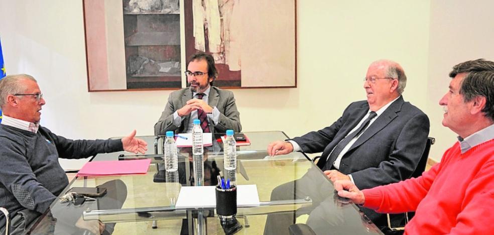 Rivera se interesa por las acciones de la federación