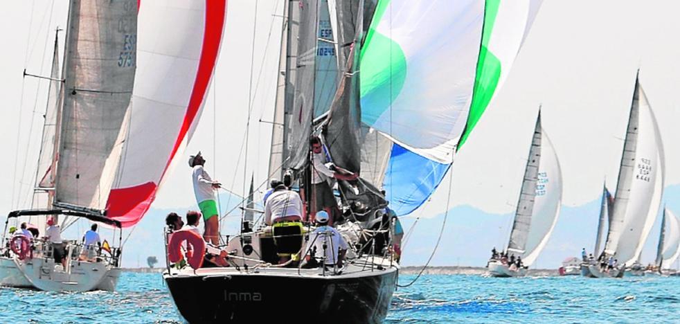La primera prueba del Circuito Mar Menor cuenta con 34 barcos