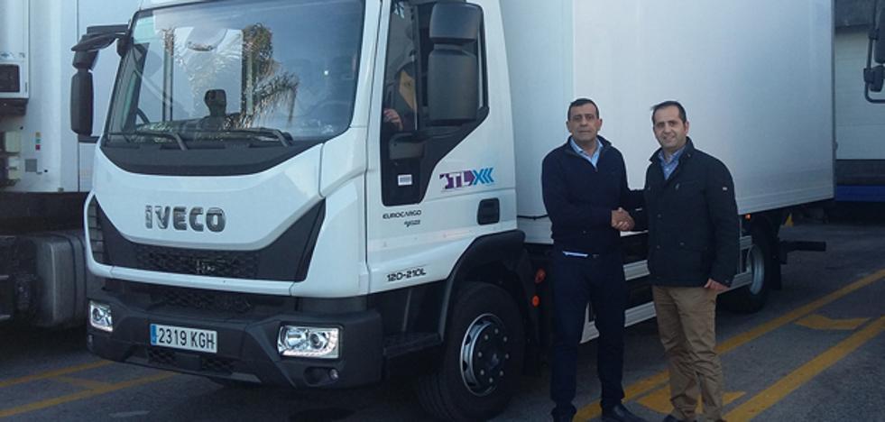 Gines Huertas Industriales entrega un Iveco Eurocargo de gas natural a TLX
