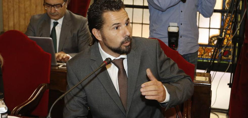Cs exigirá al alcalde Ballesta un listado de los contratados en las concesionarias