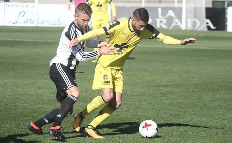 Frenazo a la racha del Lorca Deportiva en La Línea de la Concepción