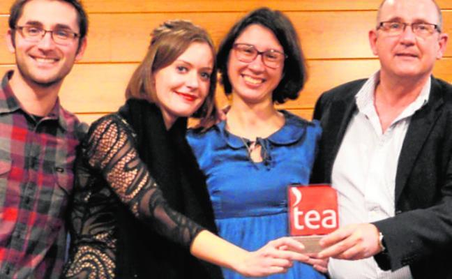 Investigadores de la UMU reciben el XXII Premio TEA Ediciones 'Nicolás Seisdedos'