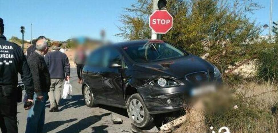 Herido el conductor de un ciclomotor en un accidente en el que se han visto implicados dos turismos