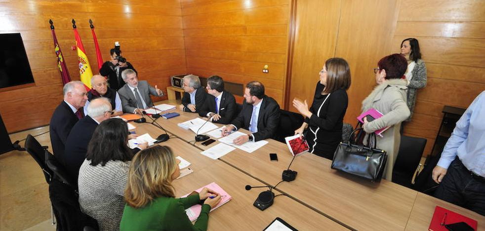 Plante de la oposición a Roque Ortiz