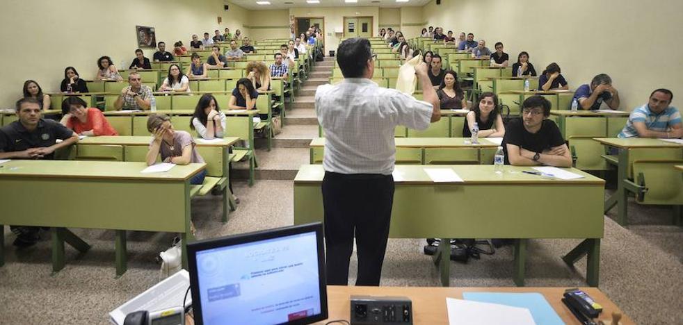 Educación baraja el 23 de junio como fecha para las oposiciones de Secundaria en la Región