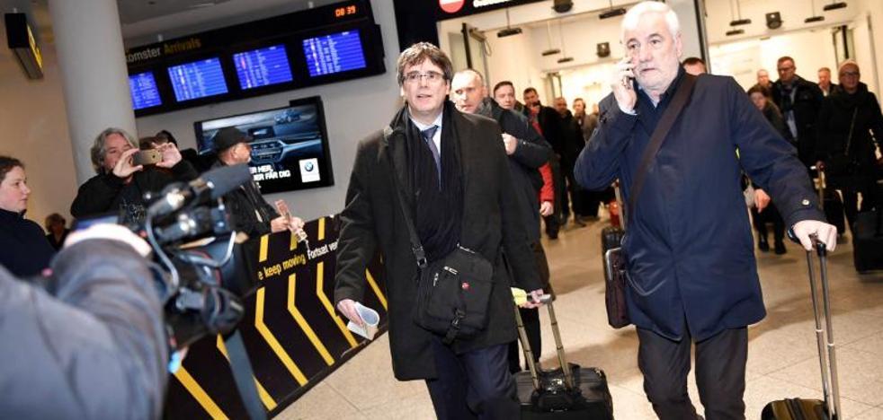 Puigdemont dice que en breve habrá un Govern en Cataluña y carga contra la UE por el apoyo a Rajoy