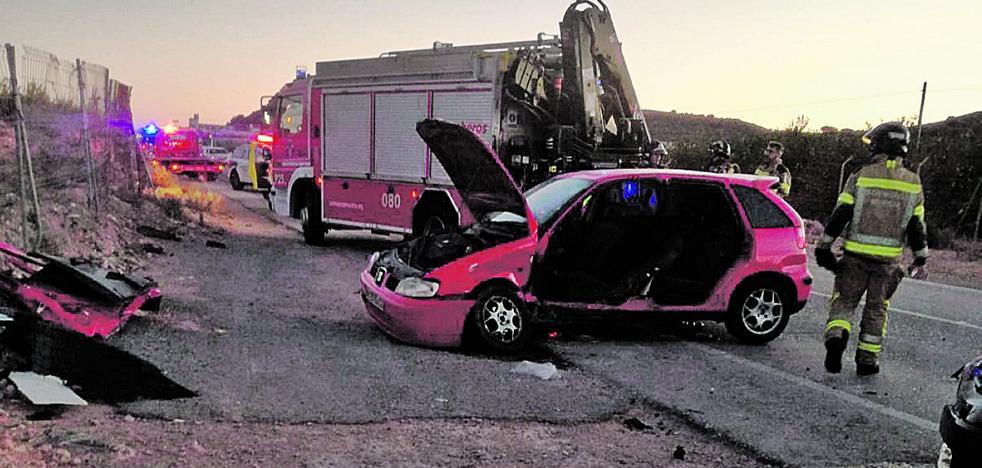 Cinco heridos en la colisión de dos coches en Murcia