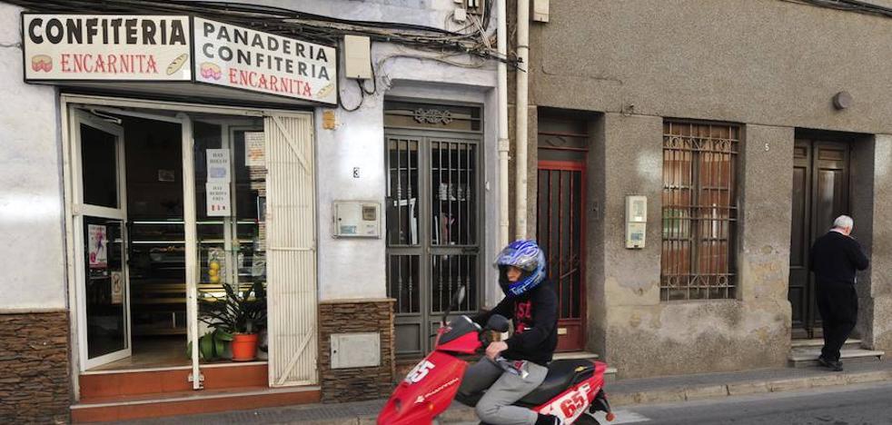 La Policía Nacional busca al autor de un atraco a mano armada a una confitería de Algezares