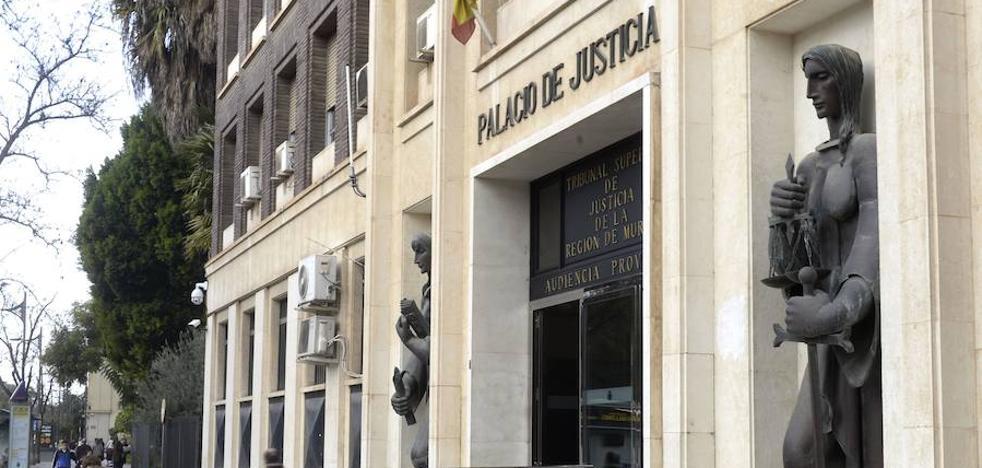 Rechazan la reclamación de 153.000 euros que unos padres exigían por el suicidio de su hijo