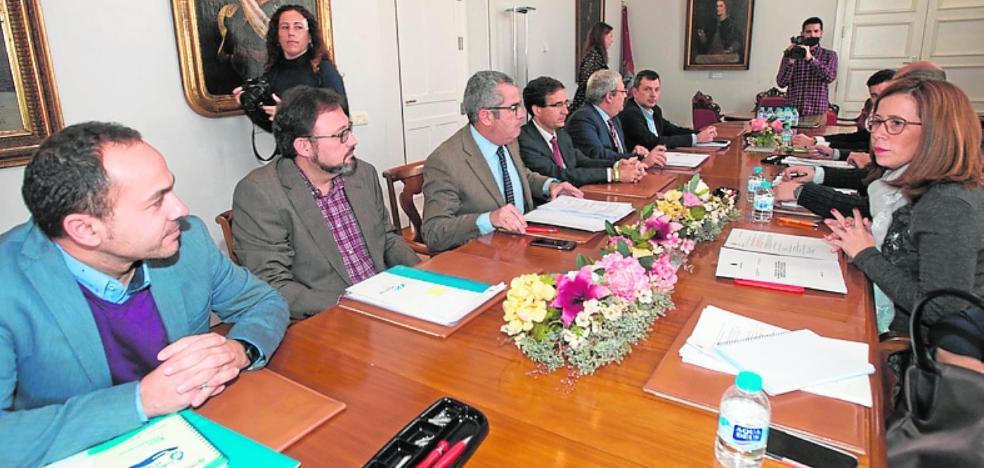 Costas urge a reparar el emisario municipal de Cala Reona por el riesgo para las playas