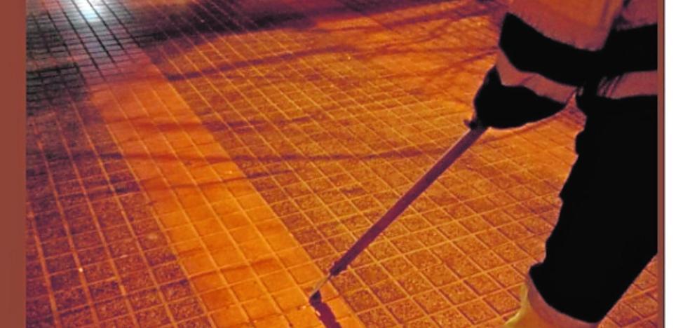 Lhicarsa refuerza los barrios y el plan de choque sufre otro retraso