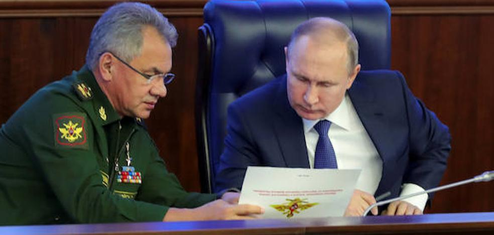 Putin finge serenidad ante la 'lista del Kremlin' pero la procesión va por dentro