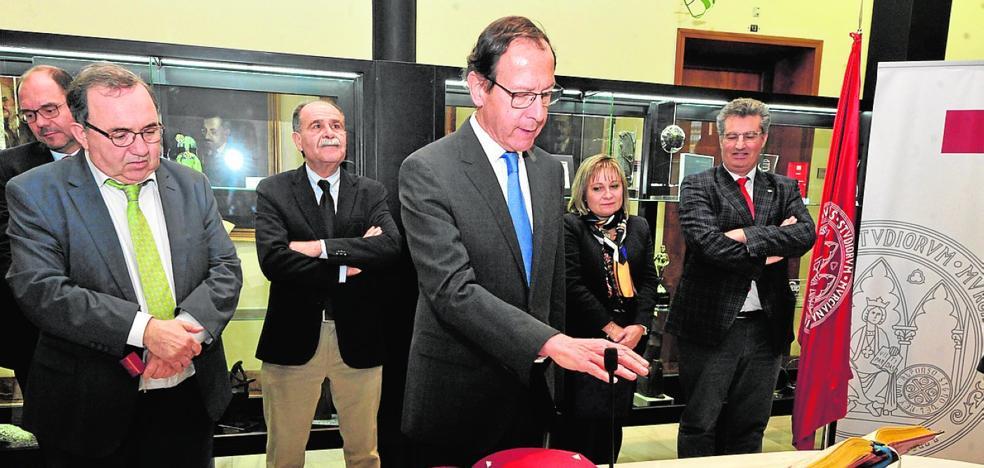 Orihuela: «Estamos orgullosos de que vuelvas a la UMU»