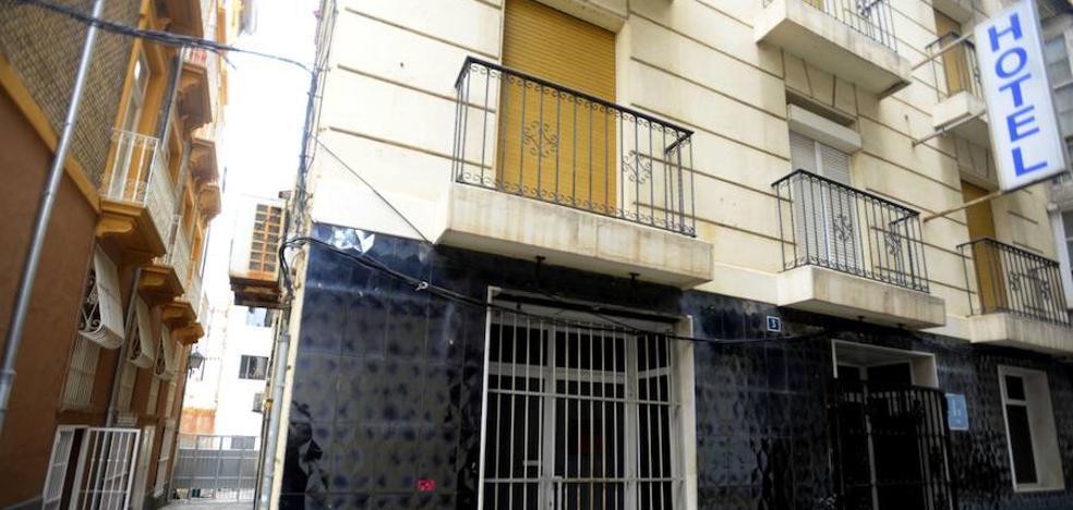 El juez archiva la imputación del exalcalde de Cartagena por el 'caso Peninsular'