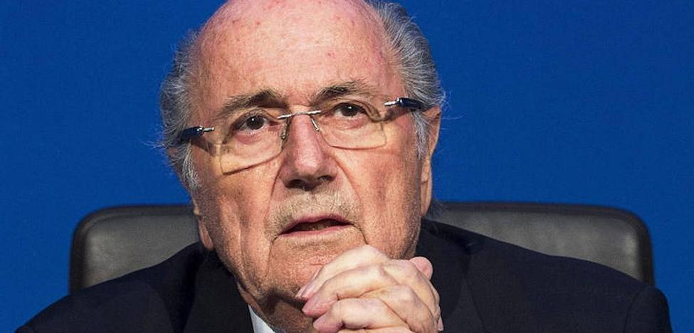 Blatter se plantea volver a luchar contra su suspensión