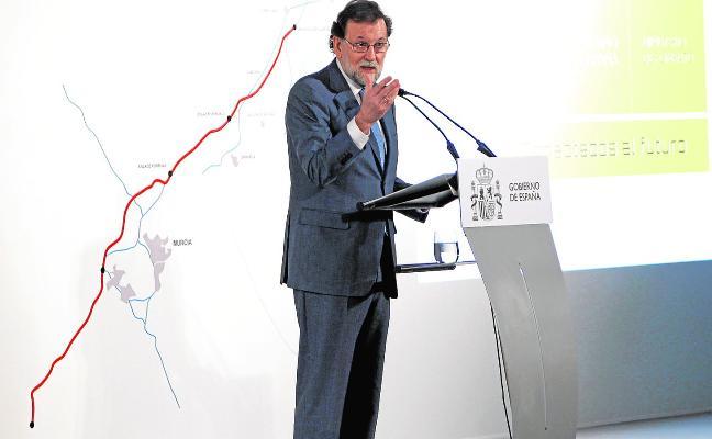 El aeropuerto de Alicante se potenciará mientras el de Corvera tramita su apertura