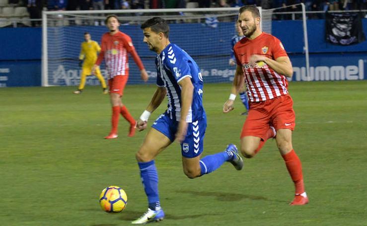 La misma película de siempre en la derrota del Lorca FC frente al Almería (1-2)