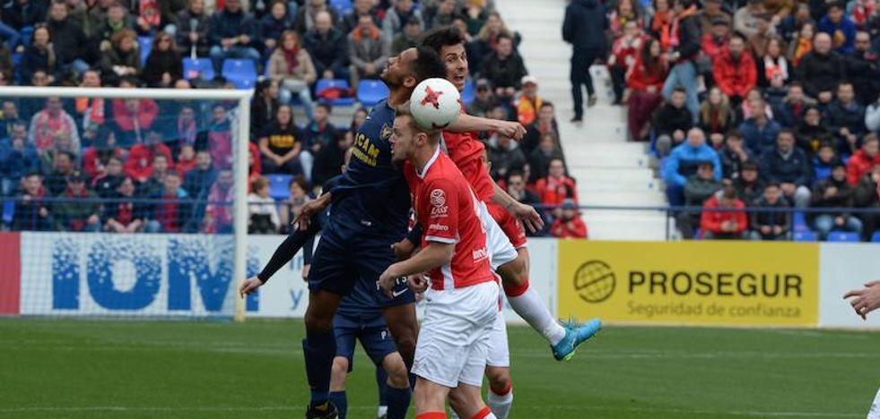 Mucha cautela y poco fútbol en un derbi gris