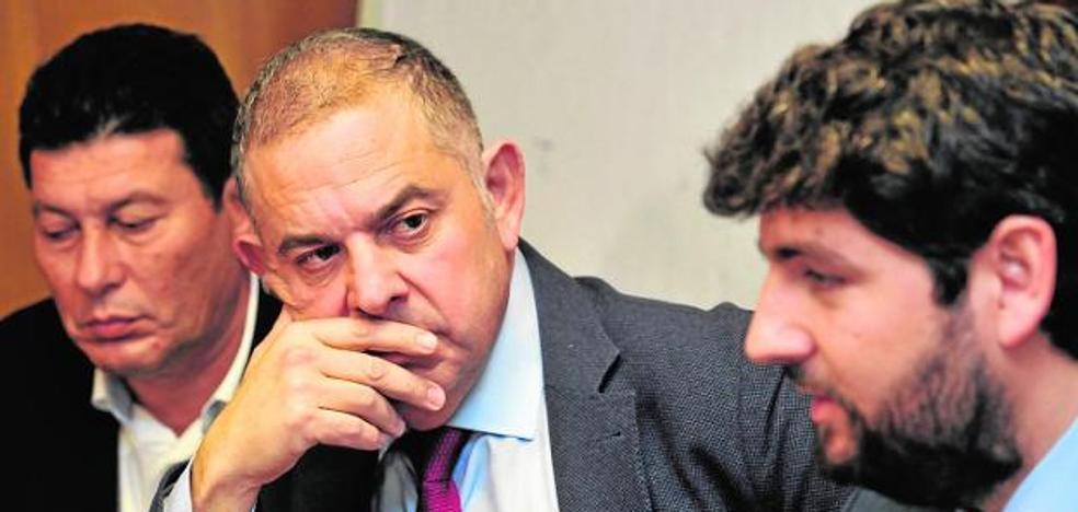 Los cuatro senadores del PP por Murcia votan a favor del 'tasazo' al Trasvase