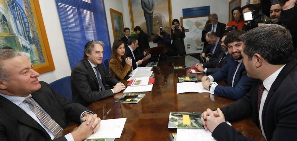 De la Serna anuncia una ampliación del soterramiento del AVE a su paso por Alcantarilla