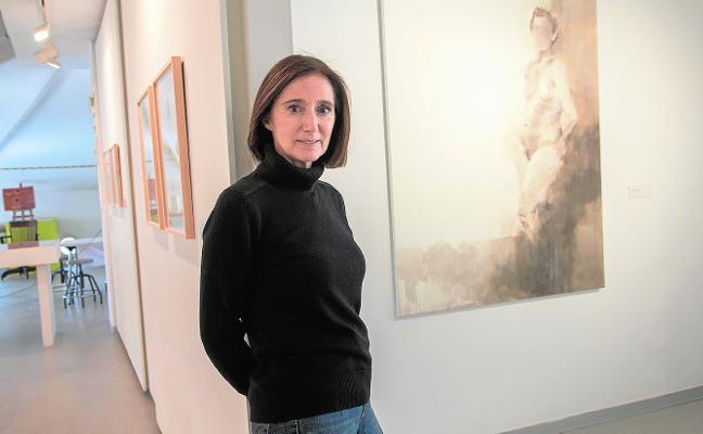 Trazos sutiles de la pintora Araceli Reverte en el MURAM