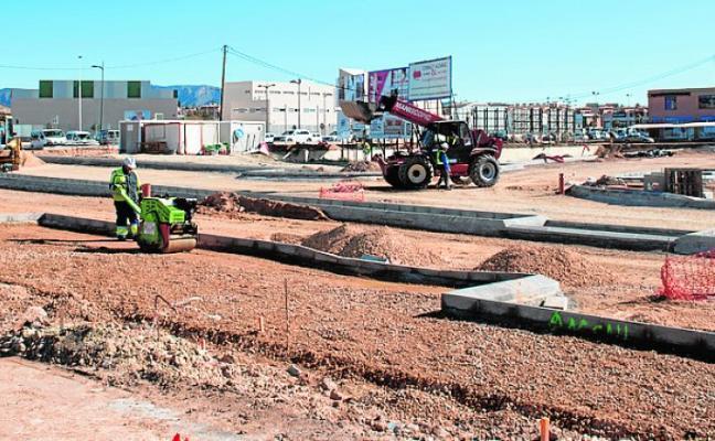 El parque comercial de La Charca creará un centenar de empleos