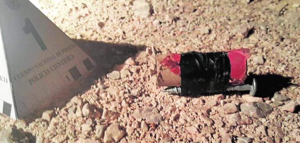 Lanzan cuatro artefactos explosivos a las vías junto a las obras del soterramiento