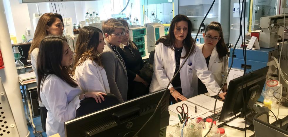 El Gobierno regional quiere fomentar las vocaciones científicas y tecnológicas en mujeres desde la infancia