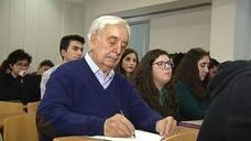 Un hombre de 80 años se va de Erasmus a Italia