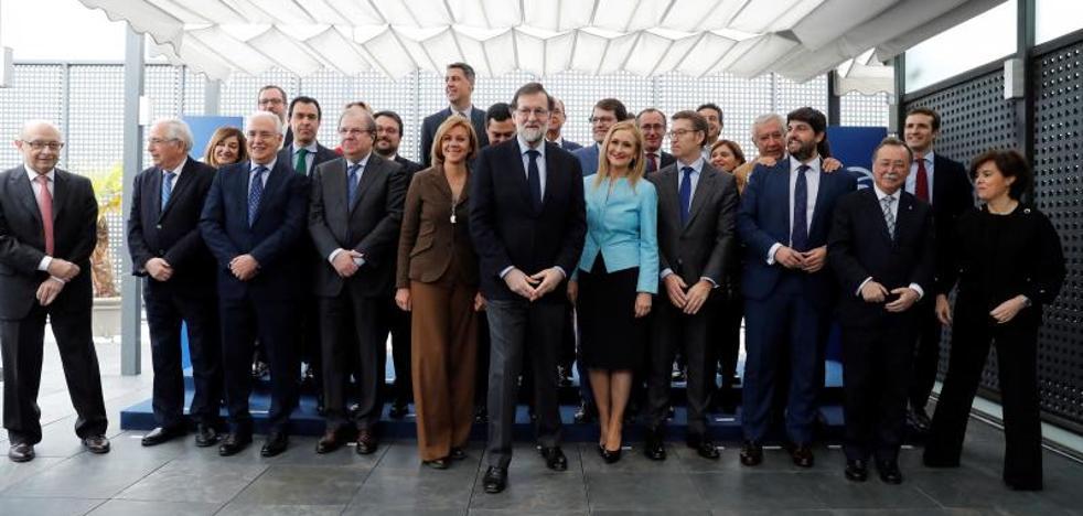 El Gobierno se compromete con los barones del PP: no habrá quita deuda a las comunidades