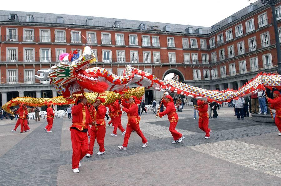 Por qué no hay chinos enterrados en España y otros falsos mitos sobre los chinos