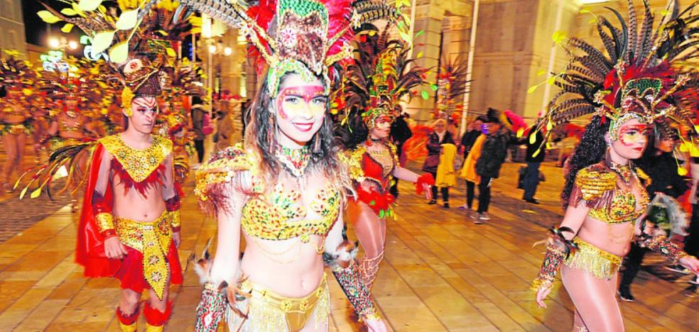 El Carnaval concluye con un desfile de 300 personas