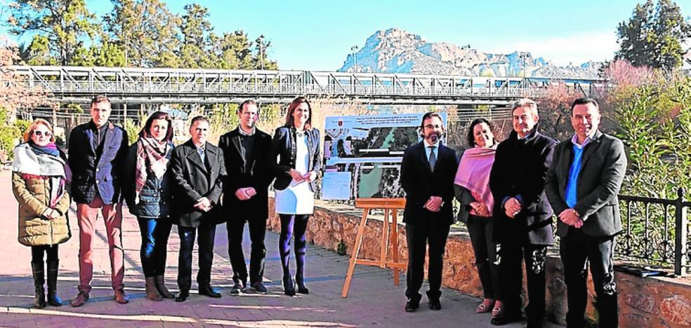 El nuevo puente sobre el Segura entrará en servicio a finales del próximo año