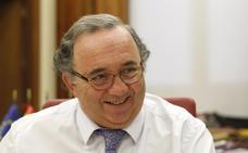 Orihuela bromea con los 'motes' de los candidatos a rector